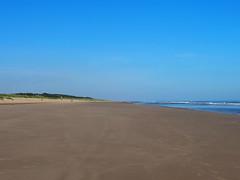 8FF35D66-2877-4297-95E4-617F55C9B60C (Artybee) Tags: beach sea coast waves sand mablethorpe lincolnshire