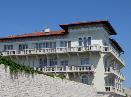 Hôtel Arbania, 1924, Rab, île de Rab, Comitat de Primorje-Gorski Kotar, Croatie.