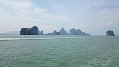 Thai paradise (Sylar8travel) Tags: travel travelphotography thailand islands island paradise beatifulplaces beatiful sea andamansea rocks rock mountain mountains water