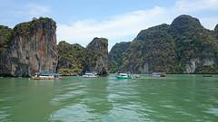 Beatiful places (Sylar8travel) Tags: travel travelphotography thailand islands island paradise beatifulplaces beatiful sea andamansea water rocks
