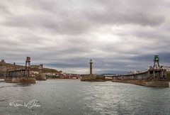 SJ2_2051 - Whitby harbour (SWJuk) Tags: swjuk uk unitedkingdom gb britain england yorkshire northyorkshire yorkshirecoast coast coastal sea seaside seascape lighthouse pier piers whitby harbour whitbyharbour 2019 sep2019 autumn holidays nikon d7200 nikond7200 nikkor1755mmf28 rawnef lightroomclassiccc