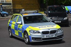 BV16 UXP (S11 AUN) Tags: london metropolitan police bmw 525d estate touring areacar panda car irv incident response unit 999 emergency vehicle metpolice bv16uxp