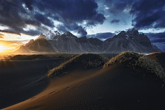 Vestrahorn sunrise (EtienneR68) Tags: a7r3 a7riii beach hills iceland islande landscape montagne montain mer nature paysage scenery scenic sea stokknes sony sunrise travel vestrahorn voyage water