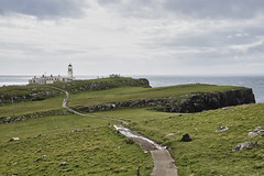 Neist Point Lighthouse-1 (Oscar García) Tags: uk scotland escocia isla hebrydes islands lighthouse faro mar sea cliffs acantilados nubes clouds