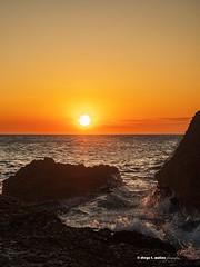 Rompiente (moligardf) Tags: océano atlántico acantilados rocas atardecer ocasos panasonic