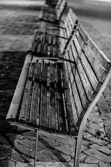 Place Saint-Etienne (Liège 2019) (LiveFromLiege) Tags: liège 50mm banc bancs noiretblanc noirblanc blackandwhite blackwhite black white whiteandblack whiteblack luik wallonie belgique architecture liege lüttich liegi lieja belgium europe city visitezliège visitliege urban belgien belgie belgio リエージュ льеж
