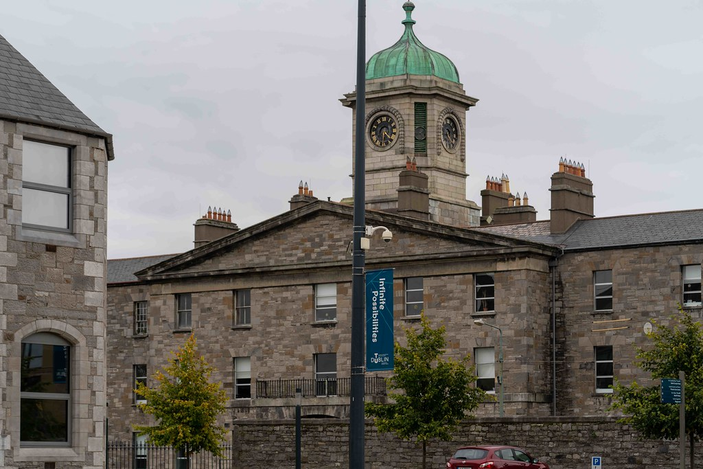 THERE IS A LANEWAY CONNECTING PRUSSIA STREET IN STONEYBATTER  TO THE GRANGEGORMAN CAMPUS [FINGAL PLACE]-156106