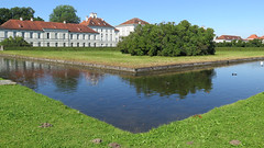 Munich, the canal in front of Nymphenburg castle (Sokleine) Tags: angle corner nymphenburg schloss château castle water heritage munich bayern bavaria bavière deutschland germany allemagne eu europe historic history 18thcentury