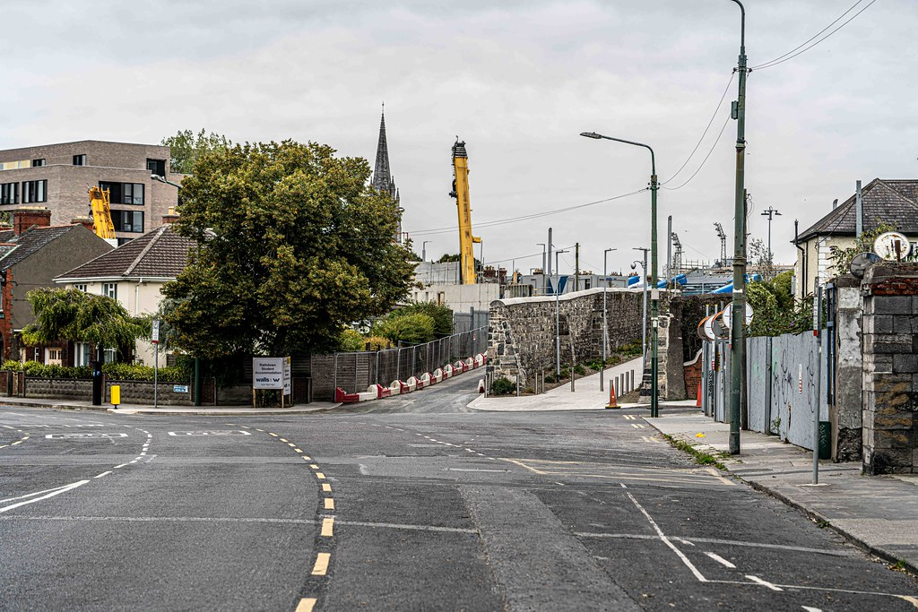THERE IS A LANEWAY CONNECTING PRUSSIA STREET IN STONEYBATTER  TO THE GRANGEGORMAN CAMPUS [FINGAL PLACE]-156113