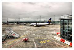 Dublin Airport IR - EI-FRH Ryanair Boeing 737-8AS(WL) (Daniel Mennerich) Tags: canon dslr eos hdr hdri spiegelreflexkamera slr ireland eire irland éire irlande ирландия irlanda