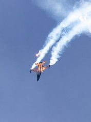 41e  Sanicole Airshow - september 15, 2019 - 178 (Frederic_P.) Tags: sanicoleairshow sanicole airshow sigma150600contemporary f16 fightingfalcon jet aircraft darkfalcon belgianairforce flare