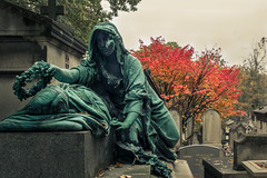 Pain is Beautiful (Lionelcolomb) Tags: paris père lachaise cimetary statue pain souffrance mort death dead grave tombe deuil tree arbre france orange rouge red femme woman fall canon hdr 1200d sigma apple imac adobe lightroom