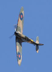 Spitfire (Treflyn) Tags: supermarine spitfire mk1a mk1 raf royal air force n3200 practice duxford following day show battle britain bob battleofbritain