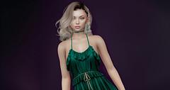 Emerald (EvaDeLoughrey) Tags: green dress purple background blonde blond jewelry 😍😍😍 secondlife sl virtual