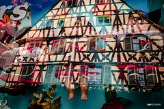 Alsace Icons (hapePHOTOGRAPHIX) Tags: 250els 250fra alsace alsacia elsass europa europe france francia frankreich ricohgriii reflexion spiegelung braun ciudad dsplyys hapephotographix mirrored reflection stadt strasenszene streetphotography urban riquewihr départementhautrhin streetlifepresets