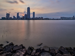 P0001020 Shanghai South Waterfront Promenade Pudong Sunset - 07-Sep-2019 (f/13 photography) Tags: shanghai pudong bund waterfront promenade walkway footpath cyclepath bridge huangpu river phase one phaseone iq4 iq4150 150mp 150mpx alpa 12max max technical camera digital back medium format rodenstock wide angle sunrise long exposure clouds typhoon weather houtan park rocks