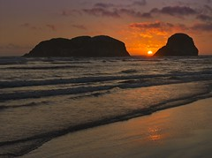 Cannon Beach Sunset 9866 A (jim.choate59) Tags: jchoate on1pics beach ocean sea sunset summer scenic landscape rocks coast oregoncoast oregon waves surf