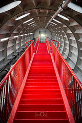 Inside Atomium (CrËOS Photographie) Tags: belgique bruxelles red rouge perspective stairway atomium escalier