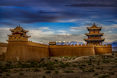 Luz dorada sobre Jiayuguan (Cerratín) Tags: gobidesert greatwallofchina adventure ancient ancientcivilization archaeology architecture asia atmosphericmood awe beautyinnature brick castle china chineseculture cultures defending defensivewall desert dramaticsky dreamlike fort fortifiedwall freedom hiking history inspiration internationallandmark jiayuguan landscapemajestic moodysky mountain mysteryfantasy nopeople old oldruin pavilion rammedearth remotelocation scenics silence sky sunlight sunset surroundingwall tower tranquilscene travel traveldestinations unescoworldheritagesite vibrantcolor wall