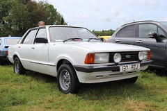 Ford Cortina 1.3 L 137RZJ (Andrew 2.8i) Tags: pembrokeshire haverfordwest scolton manor show automobile auto voiture cars car classics classic british saloon sedan euro european fordofwurope mark 5 v mk mk5 1300l 13l 1300 l 13 cortina ford 137rzj