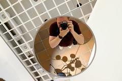 Mirror Selfie (Håkan Dahlström) Tags: 2019 humlebæk håkandahlström modern art danmark denmark håkan louisiana me mirror museum selfie krogerup capitalregionofdenmark f28 xt1 landscape uncropped 0ev normal 2019082412145968 raw 196mm iso1600 ¹⁄₂₀sek xf1855mmf284rlmois fujifilmxt1
