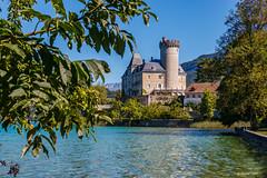 Le Château ... et le lac.... (Hte Savoie 09/2019) (gerardcarron) Tags: annecy canoneos80d chateau eau hautesavoie lacannecy