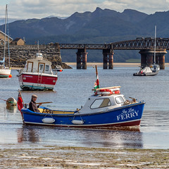 Beach, Boats and Barmouth bridge 💙 (Photo_stream_this) Tags: dawn2019 barmouth beach boats sea water bridge north wales ❤️ hugsxxx