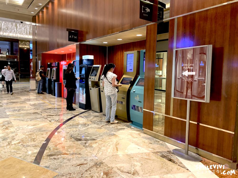 新加坡∥濱海灣金沙購物中心(THE SHOPPES AT MARINA BAY SANDS)賭場購物秀一次享受! 14 48774210563 3a5ed4542b o