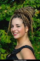 portrait laura (villatte.philippe) Tags: laura portrait couleur cheveux coiffure sourire épaule naturelle