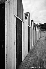 At the beach Yport Normandie / Huawei P20 Pro (Mike Reichardt) Tags: blackwhite blancetnoir bianconegro monochrome schwarzweiss architecture architektur beach strand yport normandie frankreich france