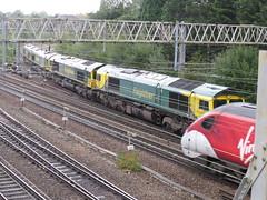 66414 66570 66550 66610 on Leeds Balm Rd Loco (Fhh) - Crewe Bas Hall S.S.M. at Heaton Norris 22/09/2019 (37686) Tags: 66414 66570 66550 66610 leeds balm rd loco fhh crewe bas hall ssm heaton norris 22092019