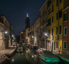 night photograpgy (krøllx) Tags: grandecanal italy venezia venice boats europe lights longexposure nightphotography photoworkshop reflections street streetphotography travel water workshopvenezia 20190825dsc03363