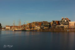 Early Morning | Vroege ochtend Volendam (Leo Kramp) Tags: web volendamhaven data volendam leokrampfotografie benrofh100mkiifilterholder benrond2568stopsfullfilter manfrotto410juniorgearedhead wwwleokrampfotografienl benrond164stopsgradhardfilter accessoires photography plaatsen nederland 2019 2010s gitzogt3542ltripod accessoiries netherlands places volendamharbour noordholland