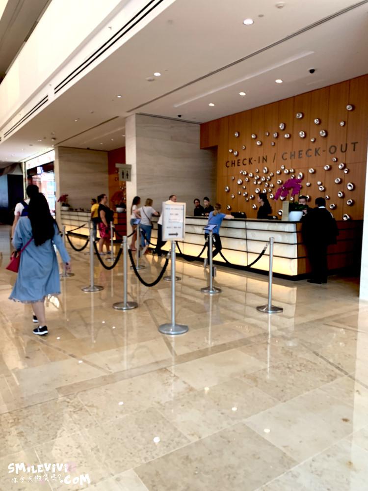 新加坡∥濱海灣金沙購物中心(THE SHOPPES AT MARINA BAY SANDS)賭場購物秀一次享受! 24 48774555876 823a6d2b1a o