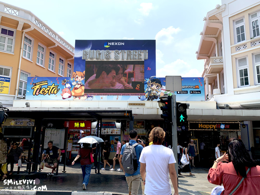 新加坡∥武吉士街Bugis Street各式各樣紀念品、小吃聚集夜市風味十足不夜城 3 48774579846 de42bbd3fb o