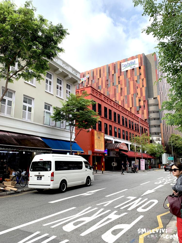 新加坡∥武吉士街Bugis Street各式各樣紀念品、小吃聚集夜市風味十足不夜城 11 48774580356 b816c330bc o