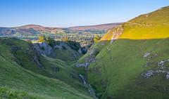 Rising light on the Hill (Nikhil Ramnarine) Tags: england peakdistrict derbyshire cavdale peverilcastle sunset castleton hiking travel landscape nikon