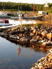(helena.e) Tags: helenae älsa husbil rv motorhome semester holiday vacation norrland haparandahamn ställplats water vatten livboj båt boat