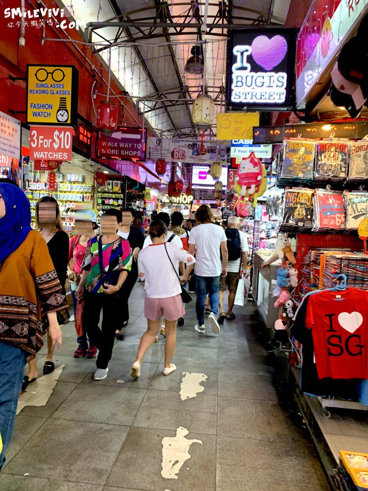 新加坡∥武吉士街Bugis Street各式各樣紀念品、小吃聚集夜市風味十足不夜城 6 48774772367 07d6444144 o
