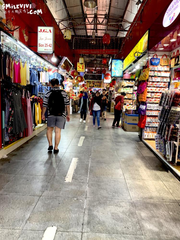 新加坡∥武吉士街Bugis Street各式各樣紀念品、小吃聚集夜市風味十足不夜城 8 48774772527 c8357628d5 o
