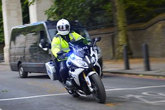 BE18 SEG (S11 AUN) Tags: london police metropolitan bmwr1200rssportse car traffic group special roads escort seg unit policing anpr support fsu vehicle emergency firearms armed 999 rpu metpolice arv response be18seg