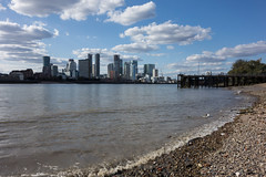 North Greenwich (Spannarama) Tags: foreshore thames river london uk rocks stones sand pier jetty canarywharf docklands hardhat floating washedup blueskies sunshine sunlight northgreenwich greenwich