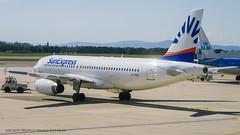 A320_XQ191 (VIE-AYT)_LY-VEQ (op.by Avion Express)_2 (VIE-Spotter) Tags: vie vienna airport airplane wien flughafen flugzeug planespotting himmel loww