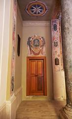 Castello Di Santa Severa:Chiesa di Maria Assunta (Michele Monteleone) Tags: michelemonteleone45 2019 canon 5dmarkiii castelli chiese vestigia ruines ruderi strada pietre cielo nuvole albero prato