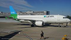 A320_VK1050 (VIE-AGP)_OE-LVS_1 (VIE-Spotter) Tags: vie vienna airport airplane wien flughafen flugzeug planespotting himmel loww