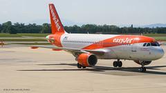A320_U25845 (TXL-VIE)_OE-IVX_1 (VIE-Spotter) Tags: vie vienna airport airplane wien flughafen flugzeug planespotting himmel loww