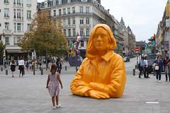 Sculpture nommée Romy réalisée par l'artiste Xavier Veilhan, gare Lille-Flandres (fa5962) Tags: france hautsdefrance nord lille sculpture romy veilhan xavierveilhan frédéricadant adant eos760d canon