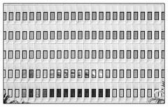 Les temps modernes. (francis_bellin) Tags: fenêtres olympus espagne batîment bwphoto netb minimal archi blackandwhitephoto nb blackandwhite minimalisme noiretblanc bw andalousie 2019 architecture