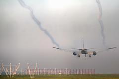 Etihad B777 arriving through the fog (✈ Adam_Ryan ✈) Tags: dub eidw dublinairport 2019 dublinairport2019 ireland canon 6d 100400liiisusm 100400 lseries aviation photography airbusboeing a6etk etihadairways etihad etihadb777dublinairport b777 b777300er fog vapour vapourtrail planevapour runway lights runwaylights earlymorning