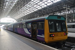 142027 Manchester Piccadilly (Paul Emma) Tags: england manhester manchesterpiccadilly railway railroad dieseltrain train pacer 142027